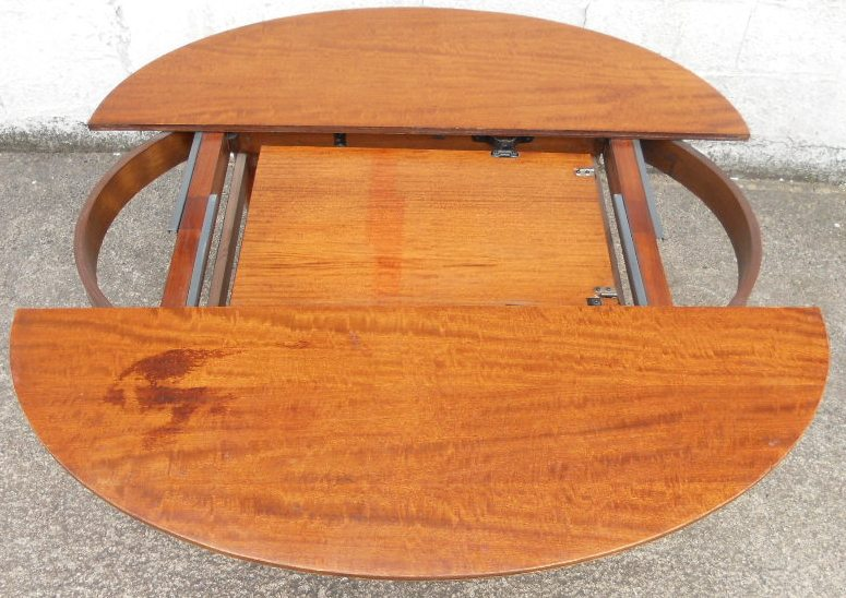 Oval Mahogany Extending Dining Table to Seat Six : oval mahogany extending dining table to seat six 3 2293 p from www.harrisonantiquefurniture.co.uk size 775 x 548 jpeg 148kB